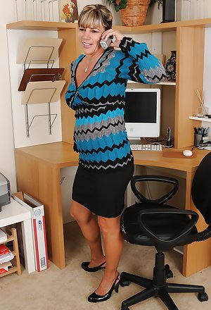 Milf in Office